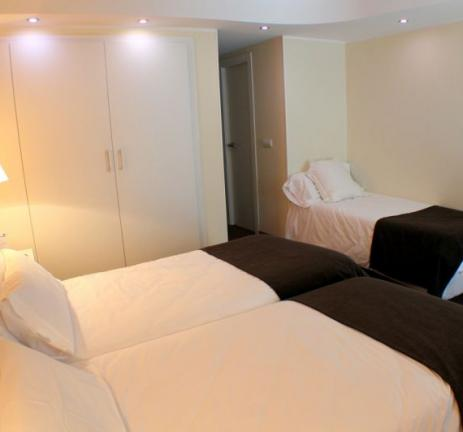 Triple room with street view